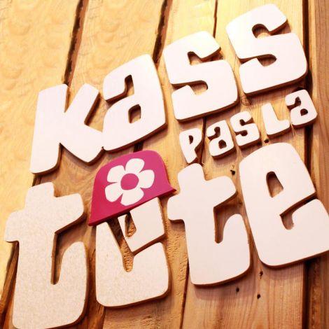 KASS PAS LA TETE - Tee-shirts humoristiques de Nouvelle-Calédonie