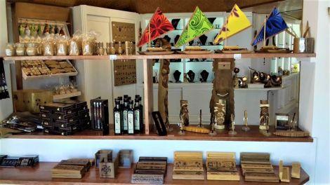 LES ARTS DU PACIFIQUE - Souvenirs 100% local - Nouvelle-Calédonie