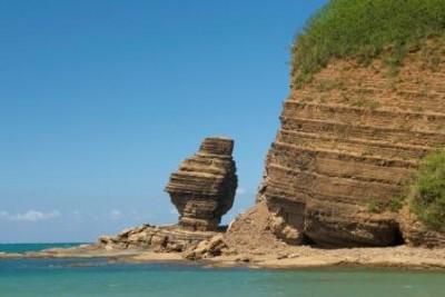 PLAGE DE LA ROCHE PERCÉE - Surf - Association BWÄRÄ Protection des tortues marines - Bourail - Photo 1 - Nouvelle-Calédonie