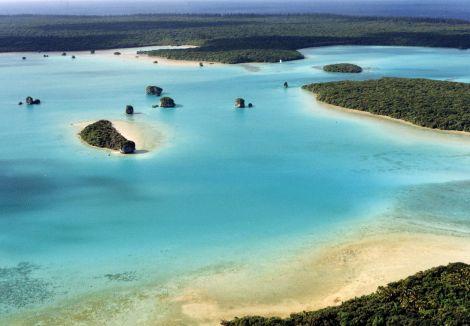AÉROPORT DE L'ÎLE DES PINS - Nouvelle-Calédonie
